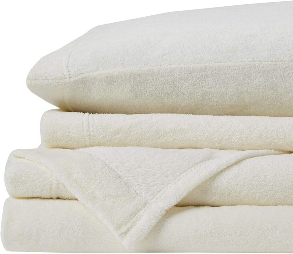 "Soft Fleece Sheets with 14"" Deep Pocket"